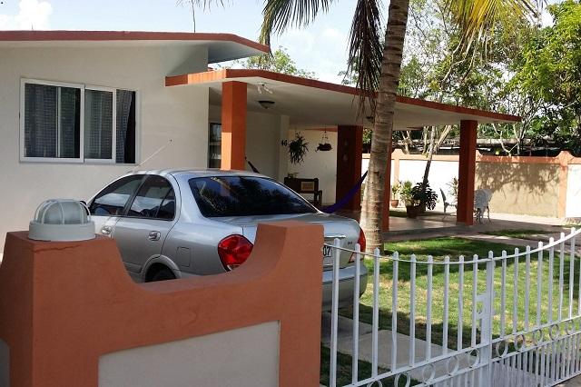 Secure parking at Casa 46, Ciénaga de Zapata, Matanzas, Cuba