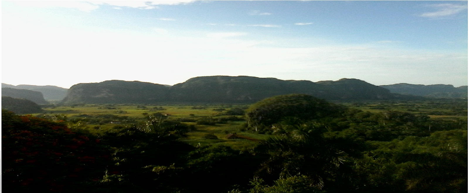 Bellezas y valores del Valle, desde La Casa de Griselda y Reinaldo, Viñales, Pinar del Río, Cuba