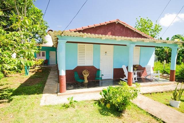 Portal de Casa de Griselda y Reinaldo, Viñales, Pinar del Río, Cuba