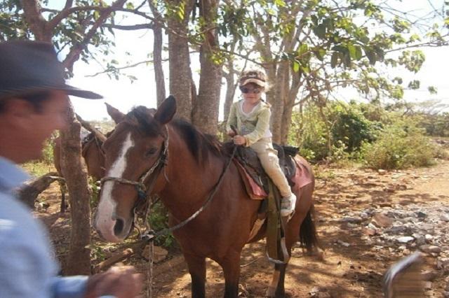 Paseo a caballo desde Casa de Griselda y Reinaldo, Viñales, Pinar del Río, Cuba
