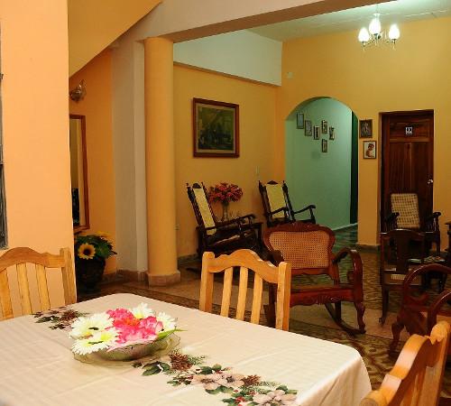 Sala comedor en Hostal Yuliet y Ariel, Cienfuegos, Cuba