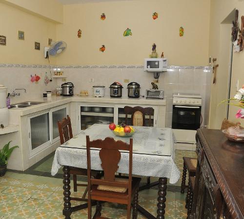 Cocina comedor en Hostal Yuliet y Ariel, Cienfuegos, Cuba