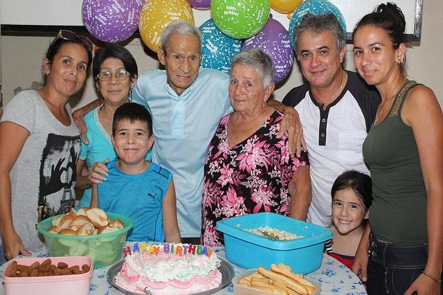 La familia anfitriona en Hostal Aliana, Santa Clara, Villa Clara, Cuba