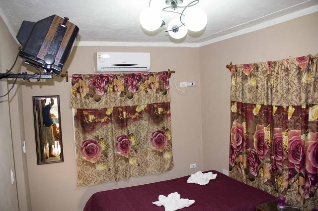 Room in Hostal Aliana, Santa Clara, Villa Clara, Cuba